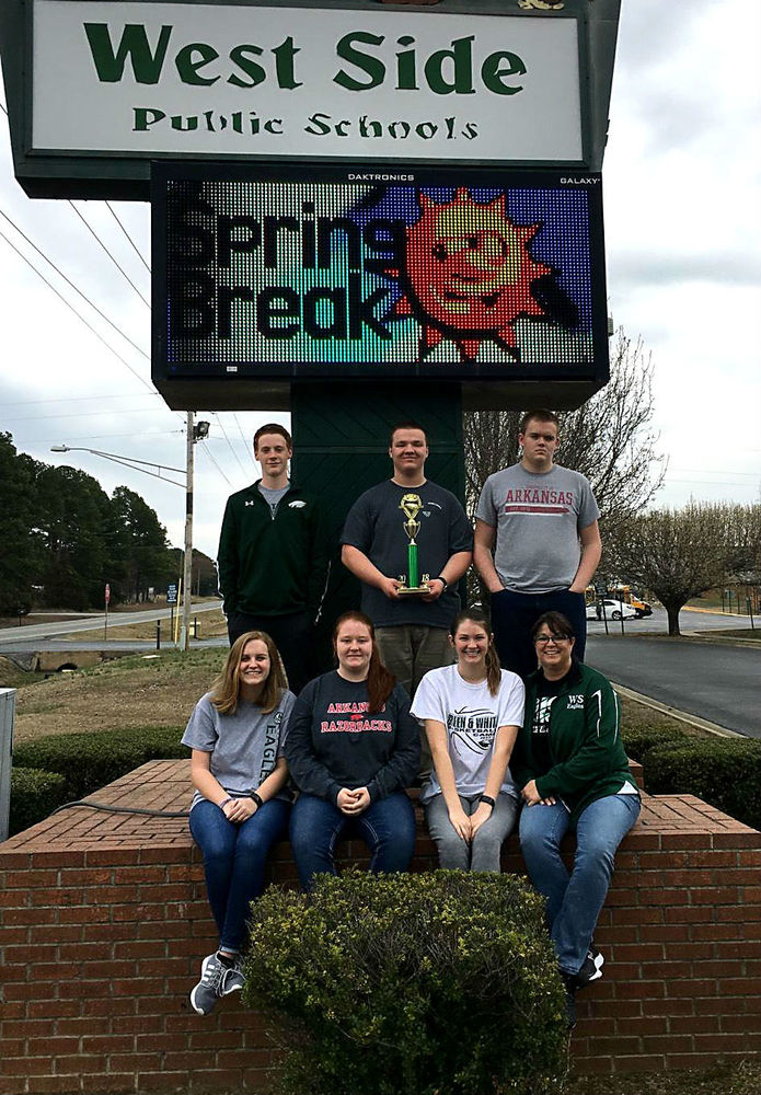 Quiz Bowl Places 2nd at Regionals